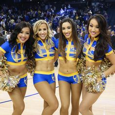 Cheerleading Picture Poses, Cheer Picture Poses, Cheerleading Outfits, Golden State Warriors Wallpaper, Nba Cheerleaders, Ice Girls, Gangsta Girl, Hockey Girls, Sexy Shorts