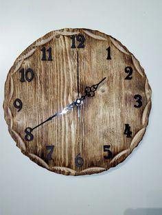Kulaté+dřevěné+hodiny+Dřevěné+hodiny+jsou+vyrobeny+z+masivního+dřeva.+Při+jejich+výrobě+byla+použita+technika+opalování+a+kartáčování.+Design+hodin,+použitý+materiál+a+způsob+výroby+s+důrazem+na+strukturu+a+zajímavé+detaily+dřeva+tak+zajistí+jejich+jedinečnost+a+originalitu.+Hodiny+obsahují+hodinový+strojek+Quartz+s+velmi+tichým+chodem+a+otvorem+pro+zavěsení.... Clock, Design, Home Decor, Watch, Decoration Home, Room Decor, Clocks, Home Interior Design
