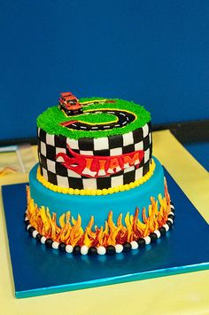 Hot Wheels Birthday - Cake by Rebecca Seyferth Hot Wheels Birthday, Race Car Birthday, Race Car Party, Cars Birthday Parties, Birthday Fun, Hotwheels Birthday Cake, Birthday Ideas, Bolo Hot Wheels, Hot Wheels Cake