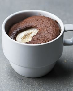 This Chocolate Banana Mug Cake Is Best Way To Eat Cake