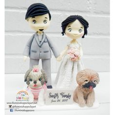 POLYMER CLAY  Customized Wedding Cake Topper  Bride & Groom with theirs dogs Custom Wedding Cake Toppers, Wedding Cakes, Polymer Clay Cake, Dog Grooming, Bride Groom, Disney Princess, Disney Characters, Dogs, Wedding Pie Table