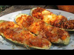 Cukinia faszerowana-najpyszniejsza i łatwa - YouTube Ricotta, Zucchini, Shrimp, Meat, Vegetables, Food, Beef, Meal, Essen