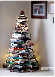 Book Christmas Tree / MERRY CHRISTMAS!