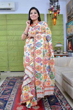 Mekhela Chador, Kurta Style, Indian Designer Outfits, Traditional Sarees, Saree Blouse, Indian Wear, Costume Design, Textile Design, Silk Sarees