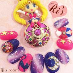 ⋆ ひさしぶりにセラムンネイル(∗ᵒ̶̶̷̀ω˂̶́∗)੭₎₎̊₊✯*・☪:.。 ⋆ チップだからわかりずらいけど、けっこうチビ爪ちゃんでブローチも小さめサイズ ⋆ check it #クリスタルスターブローチの作り方 ⋆ #nail#nailart#naildesigh#nailstagram#instanails#gelnail#tagsforlikes#kawaii#galaxy#sailormoon#anime#otaku#moon#luna#pink#ネイル#ネイルアート#キャラクターネイル#ギャラクシーネイル#痛ネイル#セーラームーン#セーラームーンネイル#月野うさぎ#ルナ#クリスタルスターブローチ#オーダーチップ#三軒茶屋