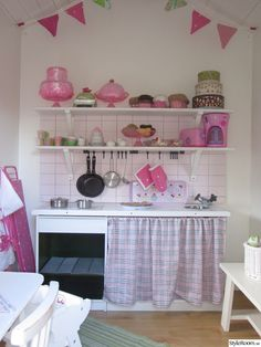 1000 images about lekstuga on pinterest playhouse for Playhouse kitchen ideas