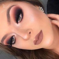 Eye makeup art eyeliner tips Ideas Goth Makeup, Eye Makeup Art, Sexy Makeup, Natural Eye Makeup, Kiss Makeup, Makeup Inspo, Makeup Tips, Eye Shadow Application, Christmas Makeup
