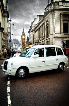 For hire of #Readingtaxis or if you want to travel from Reading taxis to Gatwick, Call Reading Taxi Company, get #taxi quote at best taxi fares.Use taxi fare calculator or book taxi online at your cell. www.taxisinreading.co.uk
