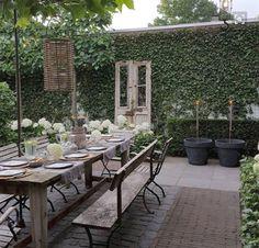 120 stunning romantic backyard garden ideas on a budge (109) #BackyardGardening