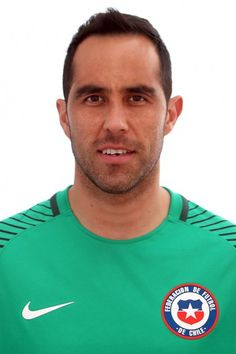 Fifa, Sports Jersey Design, Claudio Bravo, National Football Teams, I Want To Know, Charlie Chaplin, Goalkeeper, Manchester City, Football Players