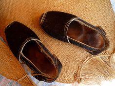 Alpargatas Venezolanas hechas de cuero. Quiero un par!