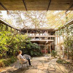 Walsh St House, Melbourne AU (1957) | Architect : Robin Boyd | Photo : Darren Bradley