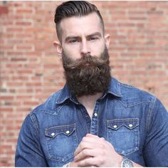 Beard Growth Oil and Balm in regular and extra strength, growth spray, mustache growth oil, grooming kits. Best beard growth made with organic ingredients. Long Beard Styles, Hair And Beard Styles, Great Beards, Awesome Beards, Bart Tattoo, Types Of Facial Hair, Sexy Bart, Beard Growth Kit, Best Beard Oil