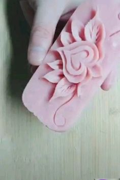 Arts And Crafts Style House Baby Flower Headbands, Pink Headbands, Headband Baby, Diy Arts And Crafts, Fun Crafts, Soap Carving, Creation Deco, Idee Diy, Flower Crafts