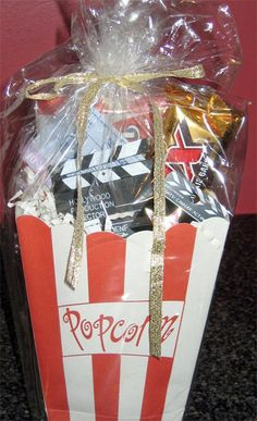 Hollywood themed goodie bags for your movie party guests - Southern Outdoor Cinema expert tip for theming and enhancing an outdoor movie event. Hollywood Theme, Hooray For Hollywood, Movie Night Party, Party Time, Movie Nights, Party Party, Cinema Party, Birthday Party Games, Birthday Ideas