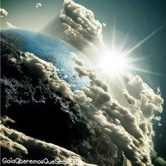 Afirmo: en silencio, oigo mi verdad más profunda y desde allí siento el apoyo de Madre Tierra -Gaia- y soy amado incondicionalmente. Estoy seguro! #nature #sky #sun #twilight #clouds #beauty #light #spirituality #love #skylovers #weather #mothernature #Namaste #GaiaQueremosQueSeasFeliz