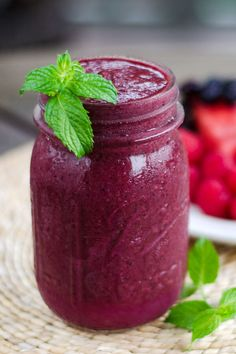 This paleo watermelon berry smoothie is light, refreshing and the perfect taste of summer. It's dairy-free, nut-free, coconut free, and refined sugar-free. Article from Paleo Living Magazine Paleo Smoothie Recipes, Healthy Smoothies, Healthy Drinks, Healthy Snacks, Paleo Recipes, Fitness Smoothies, Healthy Steak, Xmas Recipes, Nutribullet Recipes