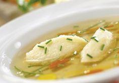 Für die Topfennockerl als Suppeneinlage alle Zutaten zusammenrühren und ca. 2 Stunden im Kühlschrank rasten lassen. Nockerl formen, in leicht Austrian Recipes, Thai Red Curry, Soup Recipes, Mashed Potatoes, Low Carb, Pasta, Fruit, Cooking, Ethnic Recipes