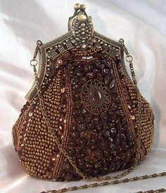 Bolsito joya en tonos marrones con cierre vintage - Little beaded purse