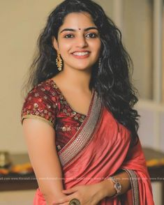 nikhila-vimal-latest-saree-images-0912-28 Photograph of Nikhila Vimal HAPPY INTERNATIONAL FAMILY DAY!! STAY BLESSED WITH YOUR WONDERFUL FAMILIES!! #FAMILYDAY PHOTO GALLERY  | PBS.TWIMG.COM  #EDUCRATSWEB 2020-05-14 pbs.twimg.com https://pbs.twimg.com/media/EYAJFKPVAAExmZu?format=jpg&name=360x360
