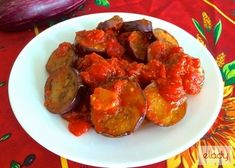 Make this in just 15 minutes! Soft, sweet eggplant in rich tomato sauce. Perfect for a summer lunch. Greek Potato Salads, Greek Vegetables, Zucchini Chips, Zucchini Patties, Cooking Green Beans, Stewed Potatoes, Vegetable Casserole, Mediterranean Diet Recipes, Mediterranean Dishes
