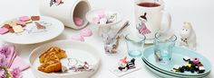 G* Moomin celebration set by Arabia-Finland Chicken Roaster, Oven Dishes, Pie Dish, Table Decorations, My Favorite Things, Celebrities, Tableware, Finland, Design