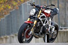 The Bullitt: Radical Ducati :: RAD02 Pursang Monster