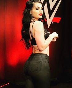 Smackdown Live GM Paige