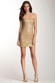 Short sequin sweetheart dress & goddess heels / pretty in gold.