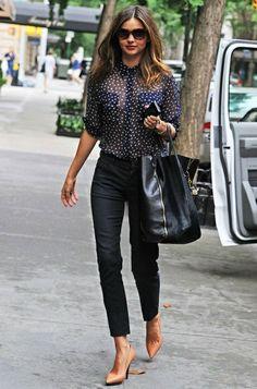 tenue professionnelle femme, avoir un look féminine en couleurs foncées