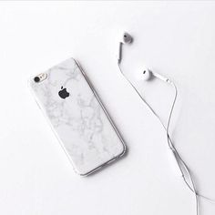 Comment below with your podcast suggestions 👇🏽 The team can't get enough of ● photo via Des Trucs Cool on Smartphone Iphone, Portable Iphone, Iphone 6, Coque Iphone, Iphone Cases, Aesthetic Images, White Aesthetic, Samsung Galaxy S5, Iphone 7 Plus