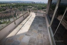 Outdoor balcony tile | Céramiques Hugo Sanchez Inc