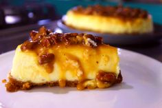Caramel Pecan Cheesecake a baked cheese cake with lashing of caramel and toasted pecans Pecan Cheesecake, Easy Cheesecake Recipes, Dessert Recipes, Roasting Tins, Digestive Biscuits, Baked Cheese, Caramel Pecan, Golden Syrup, Toasted Pecans
