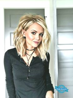100 New Short for 2019 - Bobs and Pixie Haircuts, Today's article is all about 100 new short hairstyles for We all pretty sure that long hair is not the best option for each lady to be most fem. New Short Hairstyles, Trending Hairstyles, Easy Hairstyles, Pixie Haircuts, Hairstyle Ideas, Hairstyles 2016, Formal Hairstyles, Hairstyles For Medium Length, Long Choppy Haircuts