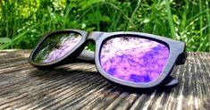 """Unsere Besteller Bambus Sonnenbrille ➡ Modell """"LIKO"""" 🟣 Violett verspiegelt gibt es für kurze Zeit zum Spezialpreis von nur 69€. Polarisiert mit 💯% UV 400 Schutz ✅ Federscharniere ✅ Unisex ✅ Unsinkbar (schwimmt im Wasser) ✅ Perfekt für den Sommer am Strand 🏝 oder in den Bergen ⛰. Bergen, Strand, Mirrored Sunglasses, Unisex, News, Lilac, Swimming, Bamboo, Sun"""