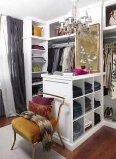 Organized closet. Lo