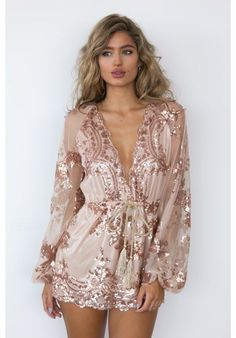 Rose Gold Sparkle Mini Dress // Follow us on Instagram, Facebook and Twitter: @thebohemianguide #bohowedding #rosegold #bridesmaid