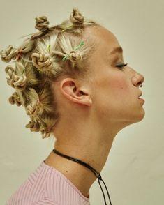 """Gefällt 55 Mal, 4 Kommentare - Anne-Lena Cox (@alcoxmakeup) auf Instagram: """"#tb @indiemagazine @annavatheuer @held_heike #buns #hairlove #hairstyle #blonde #90s #fun #fashion…"""""""