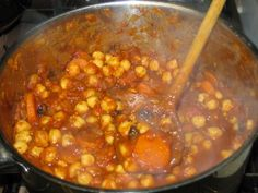 Githeri is a Kenyan traditional dish of maize and kidney beans. It is a staple dish in Kenya because it includes the staple food as one of the ingredients which is corn.  It is easy to access because maize and beans are always available since most Kenyans are farmers. Garnishing would include some parsley or mint.  Recipe: http://www.whats4eats.com/vegetables/githeri-recipe