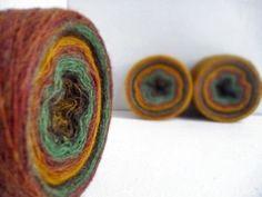 Laceweight 100 % laine - marron orange vert - une balle 3.5 oz / 100 gr par YarnStories sur Etsy https://www.etsy.com/fr/listing/216628542/laceweight-100-laine-marron-orange-vert