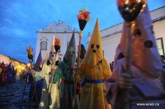 Conozca como celebran los niños la semana santa en la antigua ciudad de Goiás, Brasil