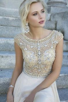So Crystal Beading Evening Dresses Cap Sleeves Chiffon Floor Length Evening Gowns For ME! Homecoming,Celebrity Dresses,Open Back Prom Dresses,Champagne evening dresses Elegant Prom Dresses, Prom Dresses With Sleeves, Pretty Dresses, Beautiful Dresses, Bridesmaid Dresses, Formal Dresses, Dress Prom, Gorgeous Dress, Dresses 2014