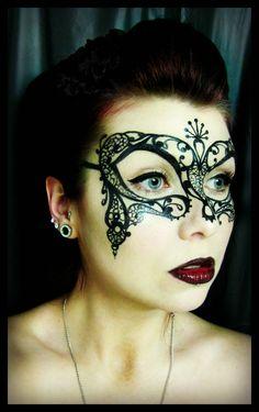 Eyeliner mask