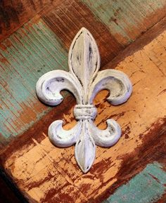 Fleur de lis Wall Decor Rustic Distressed Cast Iron