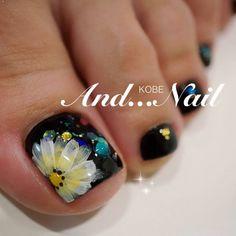 Black and coloured flower toe nail art design Pretty Toe Nails, Cute Toe Nails, Fancy Nails, Diy Nails, Pedicure Nail Art, Toe Nail Art, Pedicure Designs, Fingernail Designs, Feet Nails