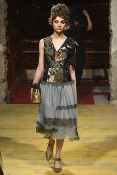See the complete Antonio Marras Spring 2018 Ready-to-Wear  collection.