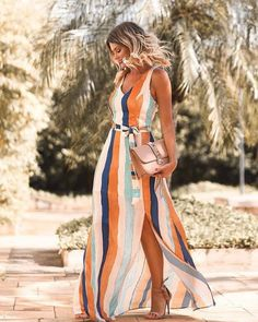 Outstanding maxi dresses are offered on our site. Have a look and you wont be sorry you did. Stylish Dresses, Casual Dresses, Casual Outfits, Cute Outfits, Pretty Outfits, Long Summer Dresses, Summer Outfits, Dress Outfits, Fashion Dresses
