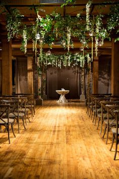 Dangling vines and dramatic lighting.  Photography: Julia Franzosa Photography - www.julia-franzosa.com