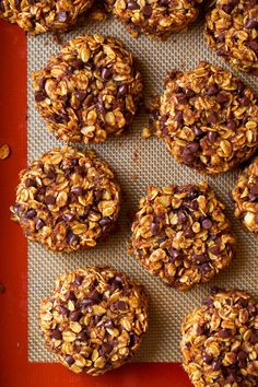 A make ahead, on-the-go breakfast cookie that's perfect for fall mornings and 100% satisfying! Made with healthy ingredients and sure to please!