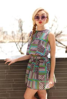 Peyton List. I totally love her gorgeeus dress. Sal Peyton.